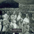 1930 - Revue théâtrale au village