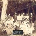 1903 - Trois générations sous les oliviers