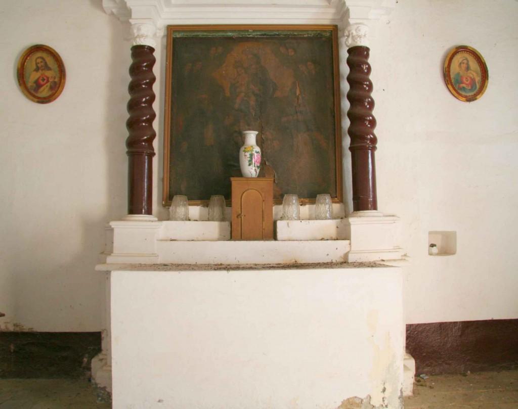 Intérieur antérieur de la chapelle Saint-Antoine l'Ermite. Juillet 2012. Photo D.A.