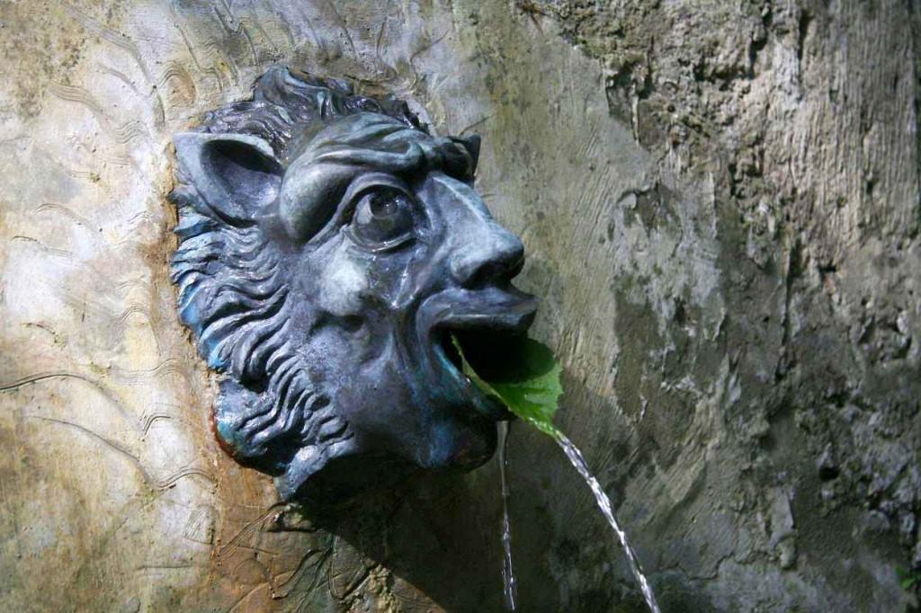 Le mascaron de la funtana Landi. Juillet 2012. Photo D.A.