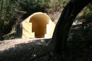 Fontaine de Lapedina. Avril 2007. Photo D.A.