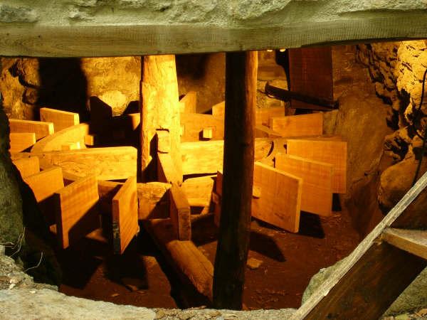 Mulinu vivu éclairé de l'intérieur. Août 2005. Photo B.D.